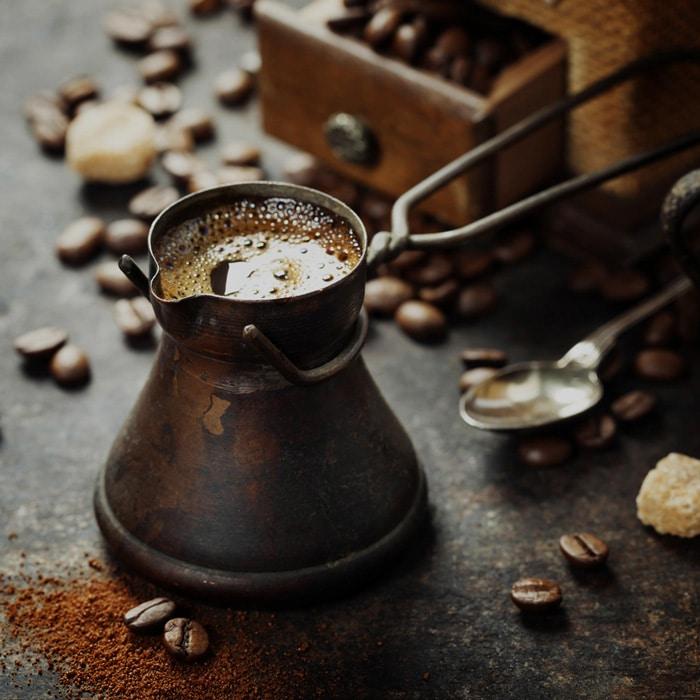 cezve rempli de café turc